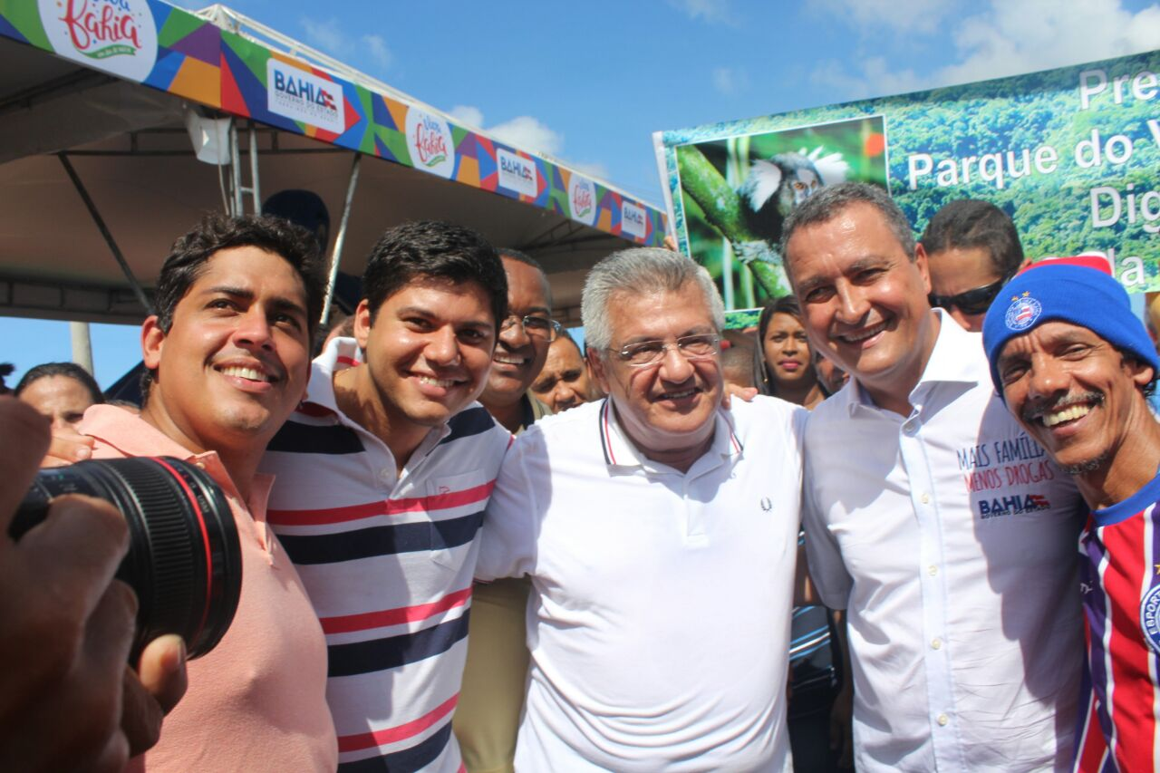 Na entrega da Orlando Gomes, Bacelar pede apoio do Estado ao terreiro Ilê Asipá