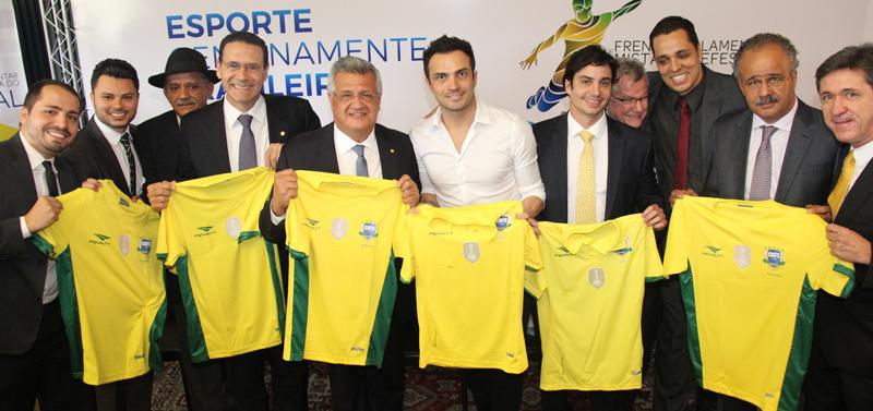 Falcão diz que iniciativa de Bacelar reconhece força do futsal no Brasil