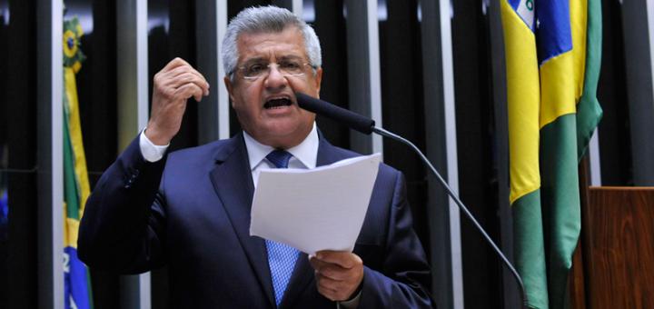 'Escola sem Partido' em Salvador é alvo de críticas de Bacelar
