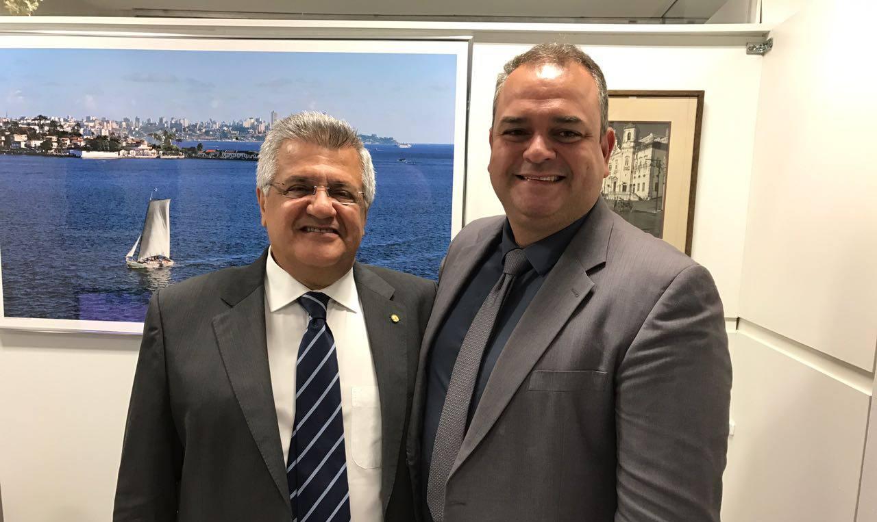 Deputado Bacelar recebe em seu gabinete o prefeito Breno Konrad Meira Moreira