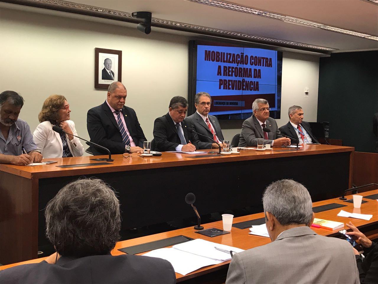 Bacelar se une às centrais sindicais contra reforma da Previdência