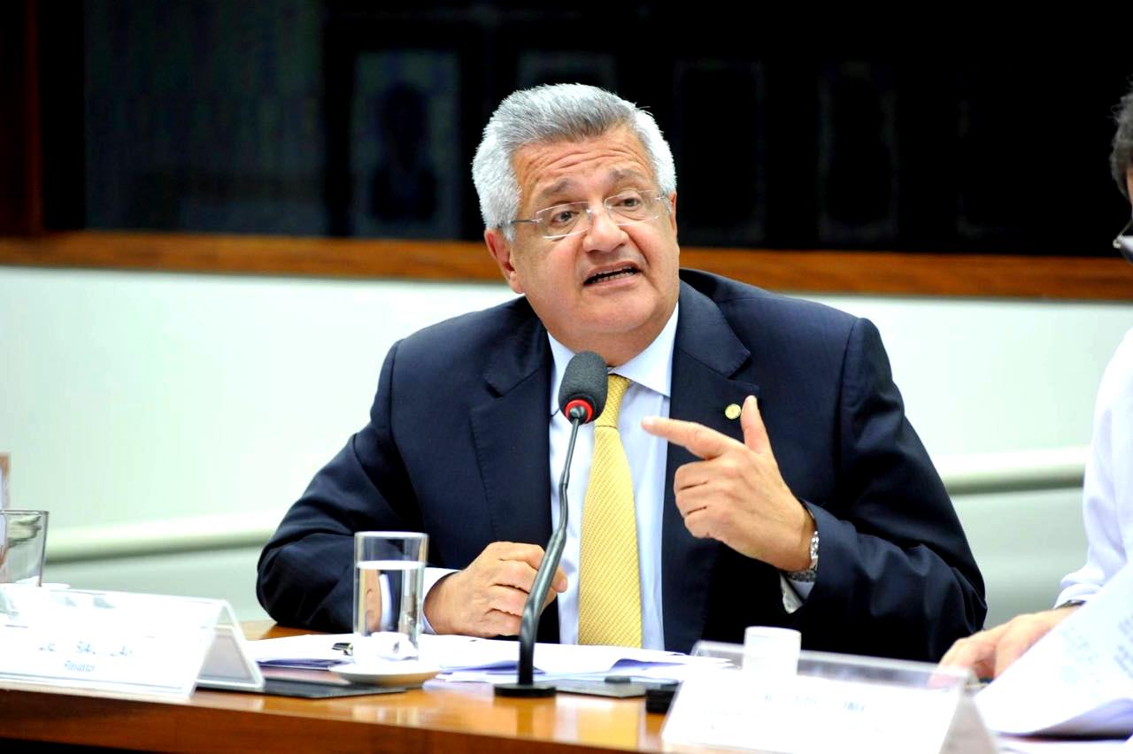 """Bacelar rebate ministro da Educação sobre """"doutrinação"""" nas escolas"""