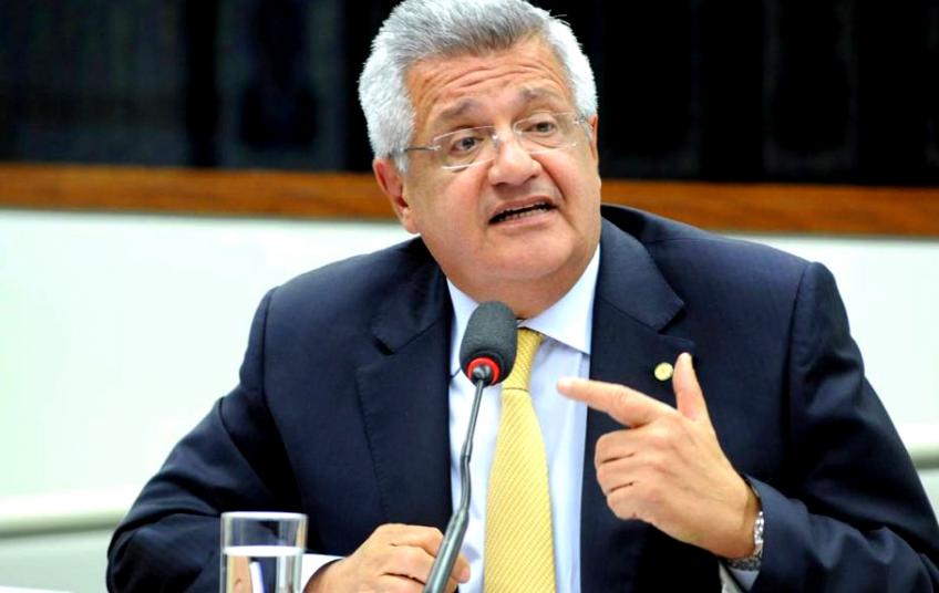 Bacelar reage a corte de verbas da UFBA e conclama mobilização contra ministro