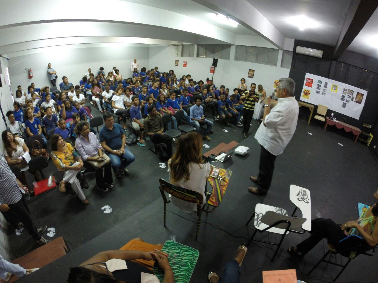 Bacelar participa de ações educativas coordenadas pelo Nobel da Paz