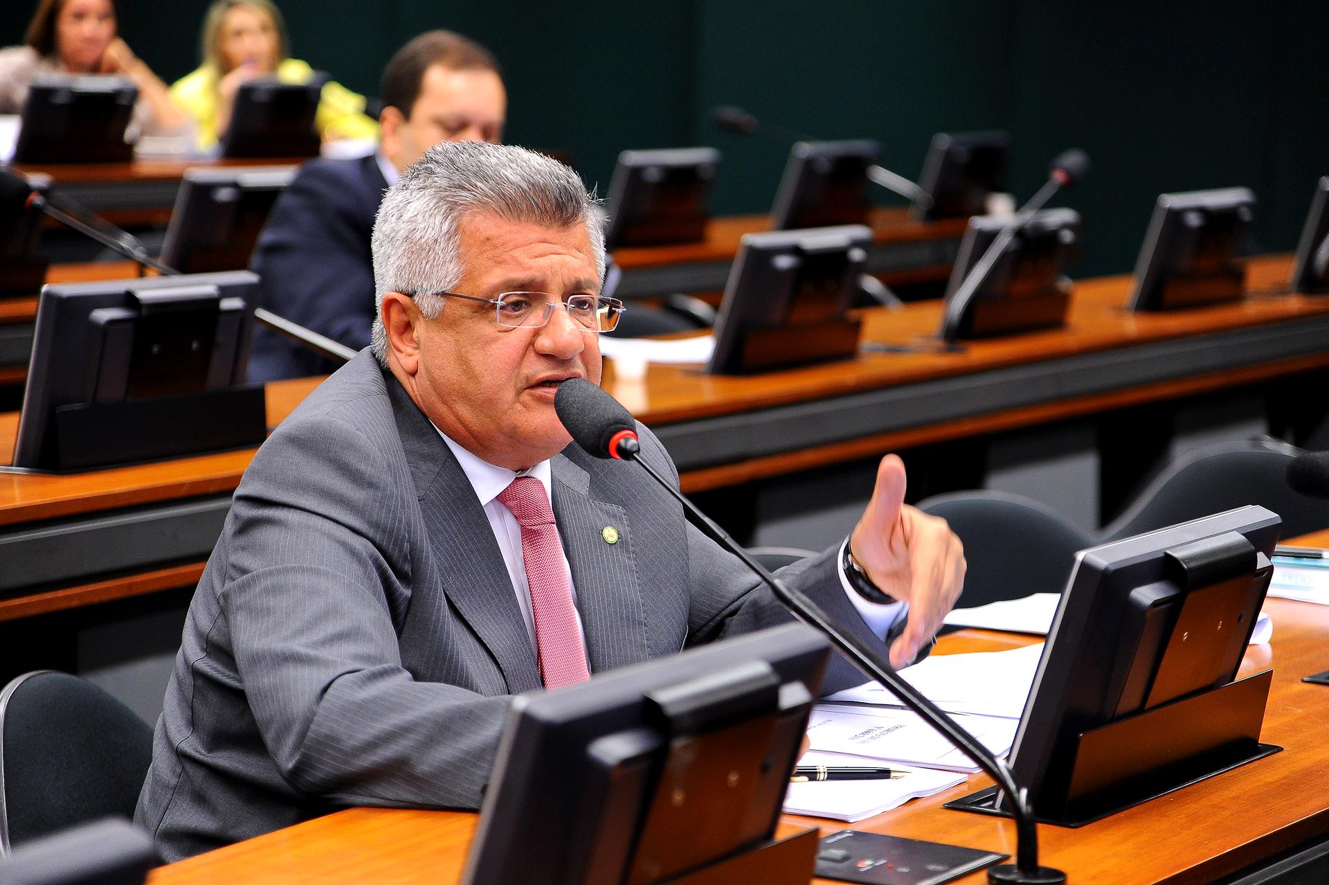 Bacelar ressalta liderança de Rui Costa contra fechamento da Fafen
