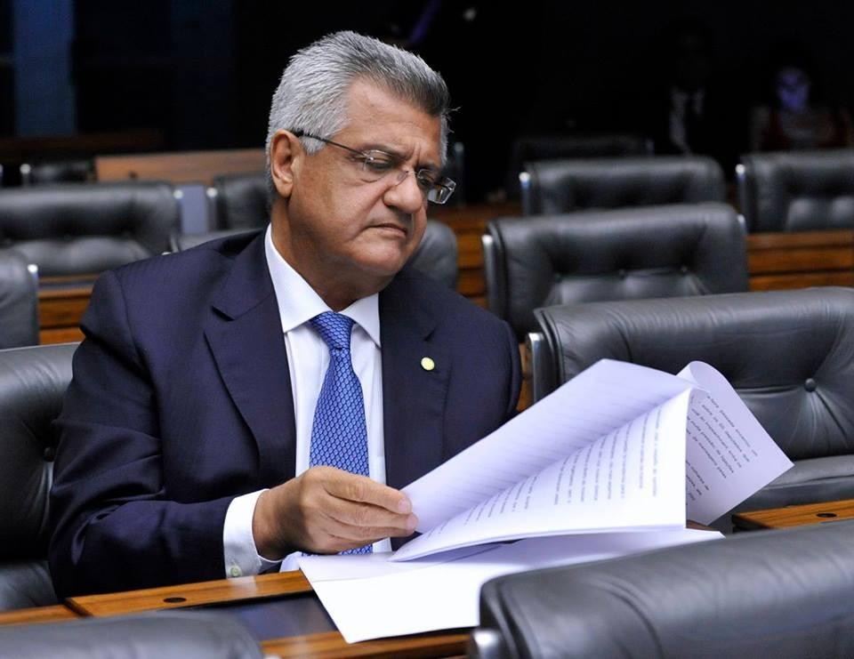Com voto favorável de Bacelar, Congresso derruba veto de Temer ao reajuste salarial dos agentes de saúde