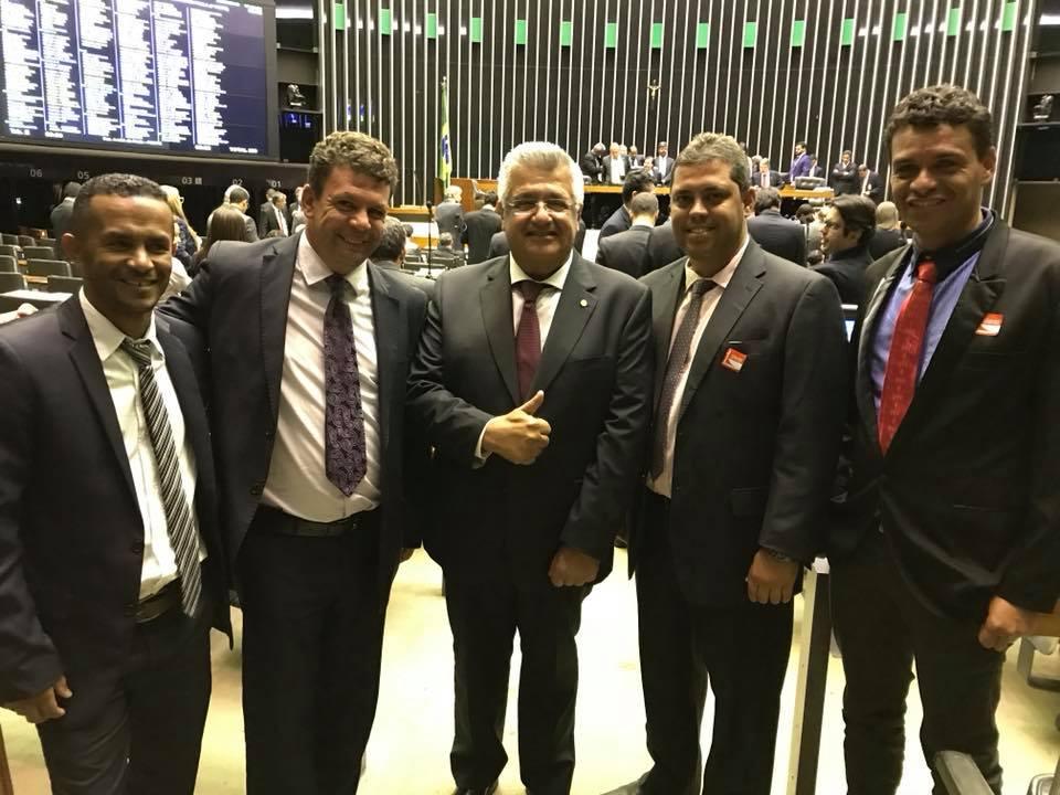 Bacelar recebe prefeitos e vereadores baianos na Câmara