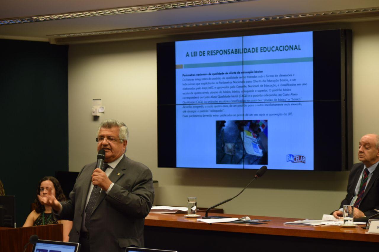 Bacelar diz que Lei de Responsabilidade Educacional não foi criada para punir