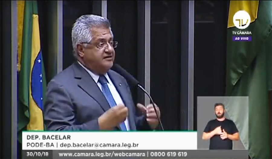 Bacelar defende imprensa livre e ataca Bolsonaro