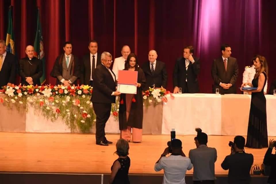 Bacelar é diplomado e renova compromisso com educação de qualidade e defesa das minorias