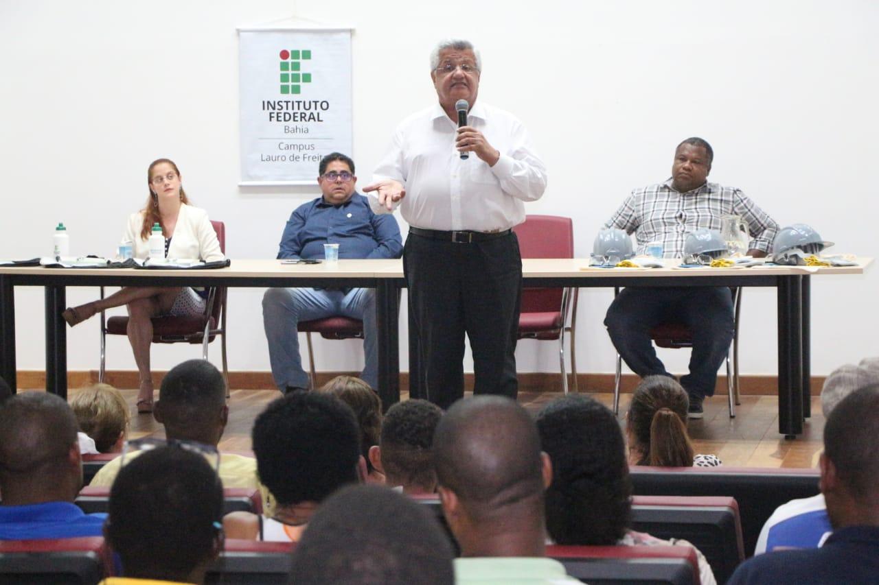 Com emenda de Bacelar, 150 alunos se preparam para o mercado de trabalho