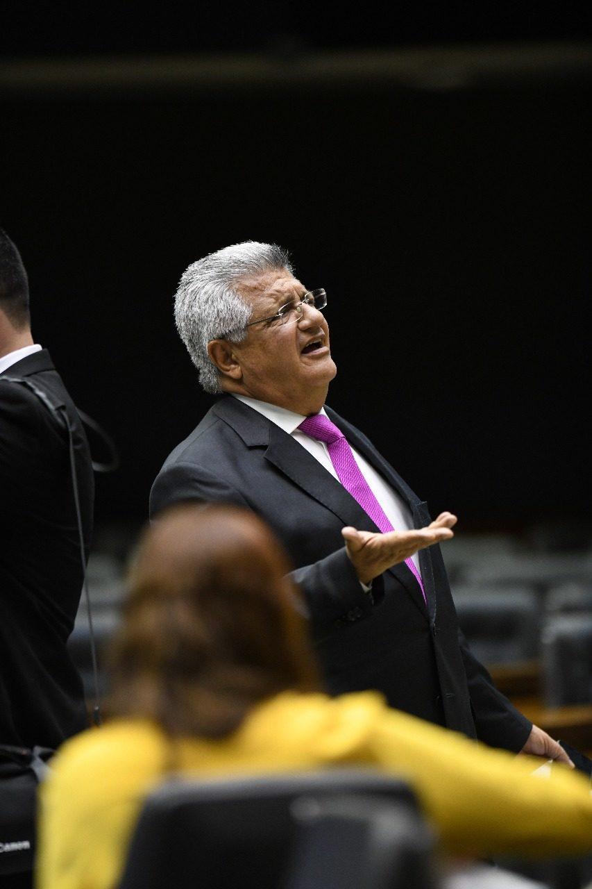 Bacelar diz que crises no governo Bolsonaro refletem no PIB