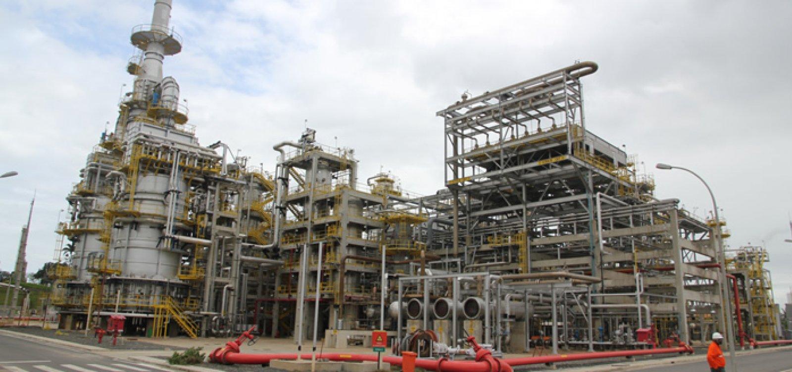 Bacelar exige explicações de ministro de Minas e Energia sobre fechamento de campos da Petrobrás