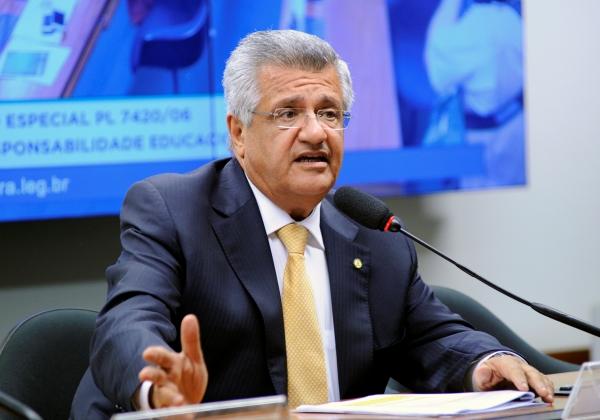 Bacelar exige que Secretaria de Segurança tome providências no caso de vereador baleado
