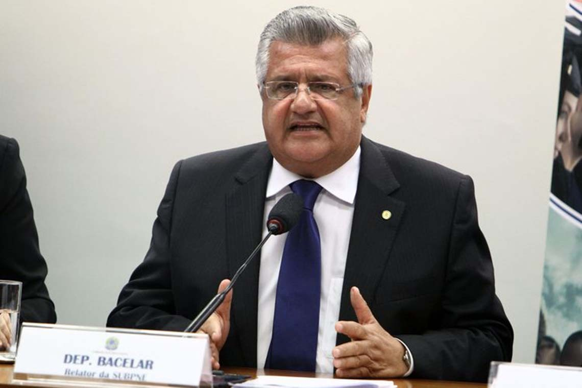 Oposição tenta negociar regulamentação do Fundeb