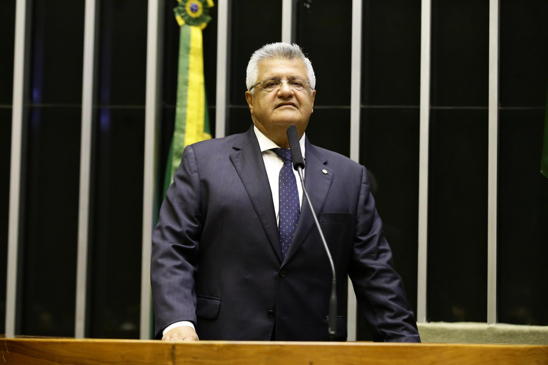 Bacelar defende auxílio emergencial de R$ 600 e diz que servidores públicos não podem ter salários congelados