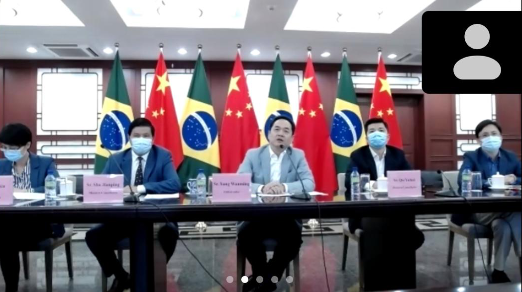 Brasil e China negociam parcerias para estimular o turismo entre os dois países