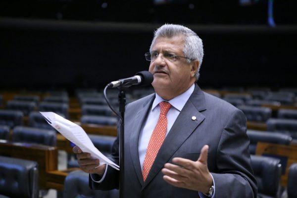 Bacelar critica privatização da Eletrobras e diz que CHESF é essencial para o Nordeste