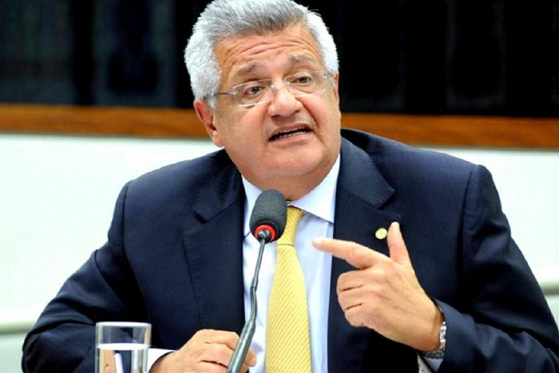 Em audiência, presidente da Comissão de Turismo diz que não permitirá cortes ao orçamento da Embratur